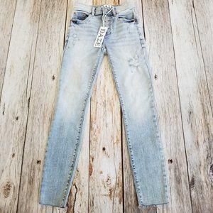 Lulus Daze Crop Hi Rise Skinny Jeans 26 Actual 23